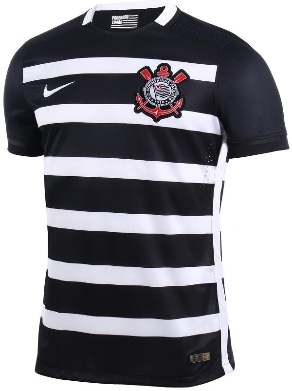 667bb74ac9 ... a Nike divulgou a nova camisa reserva que o Corinthians usará em 2016.  O modelo é predominantemente preto com listras horizontais em branco
