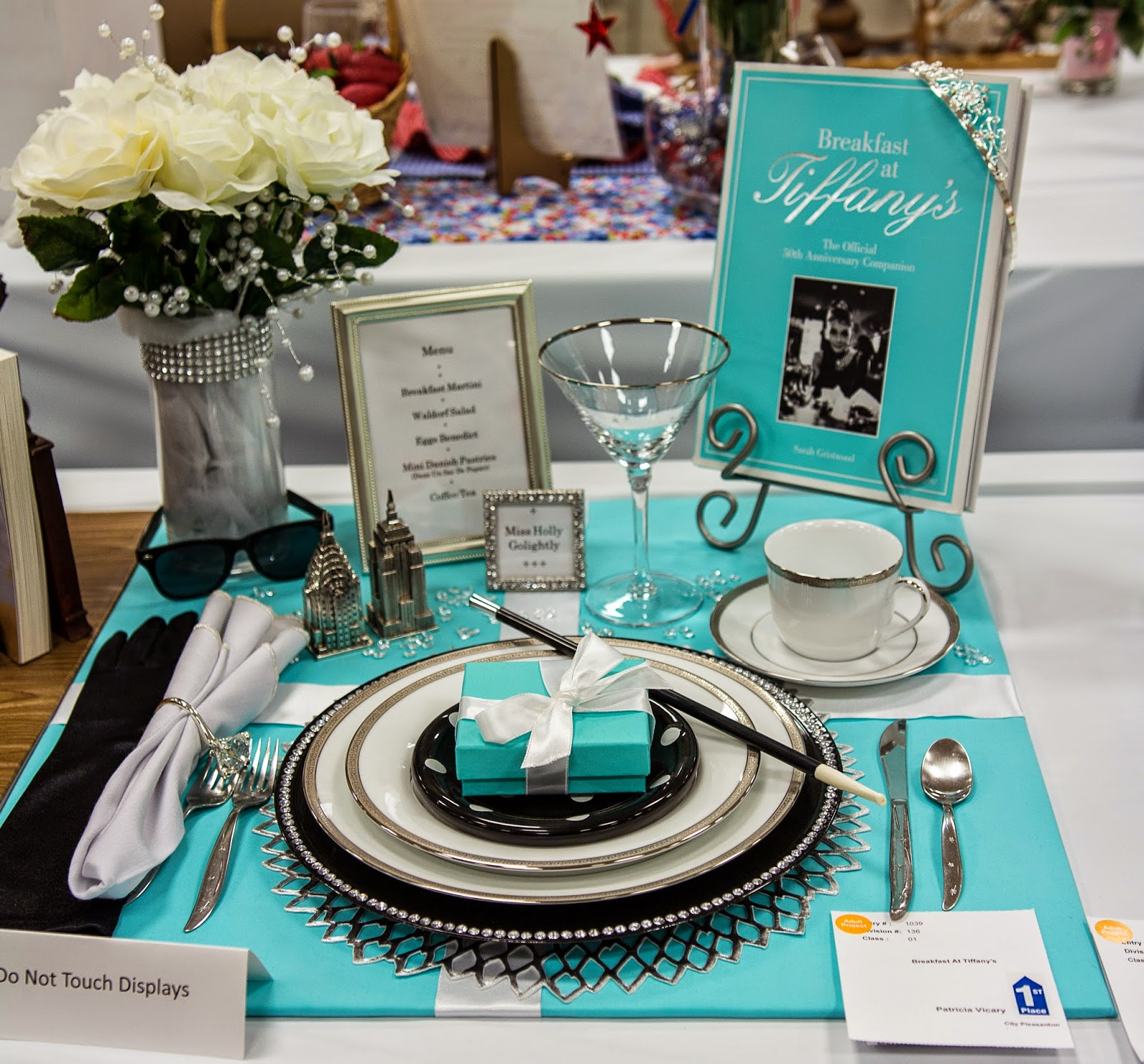 The Fun Of Outdoor Movies Movie Themed Place Setting For
