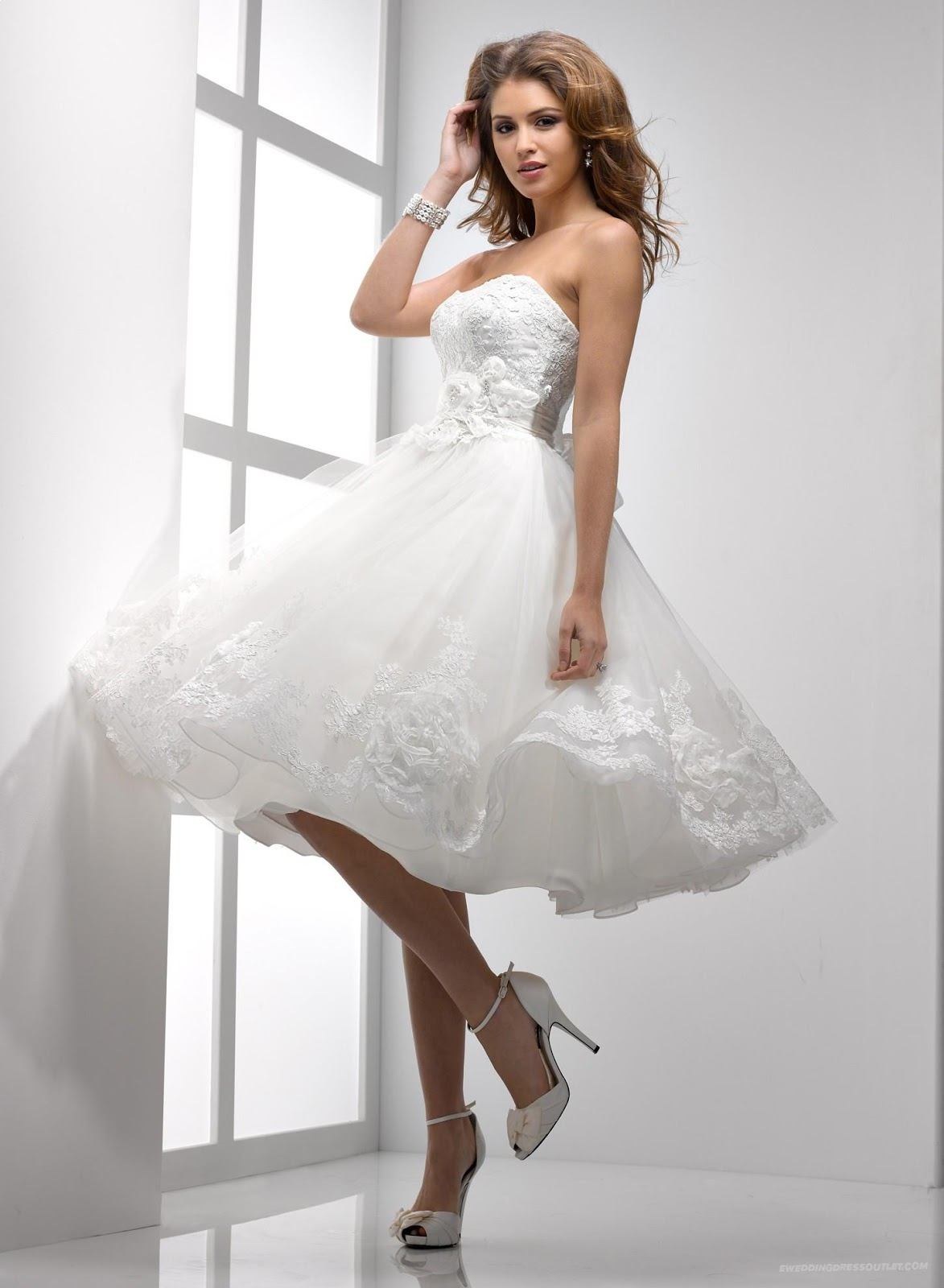 Fashion For World: White Bride Gowns 2013
