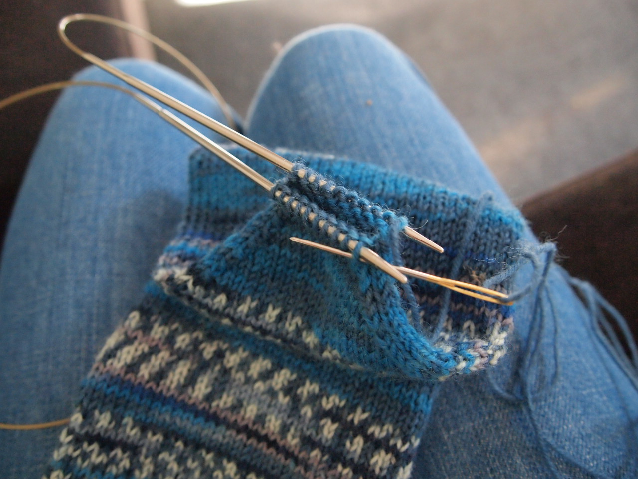 Knit Kitchener Stitch To Finish A Sock : Saturday Socks, finished on a Thursday, with a successful attempt at Kitchene...