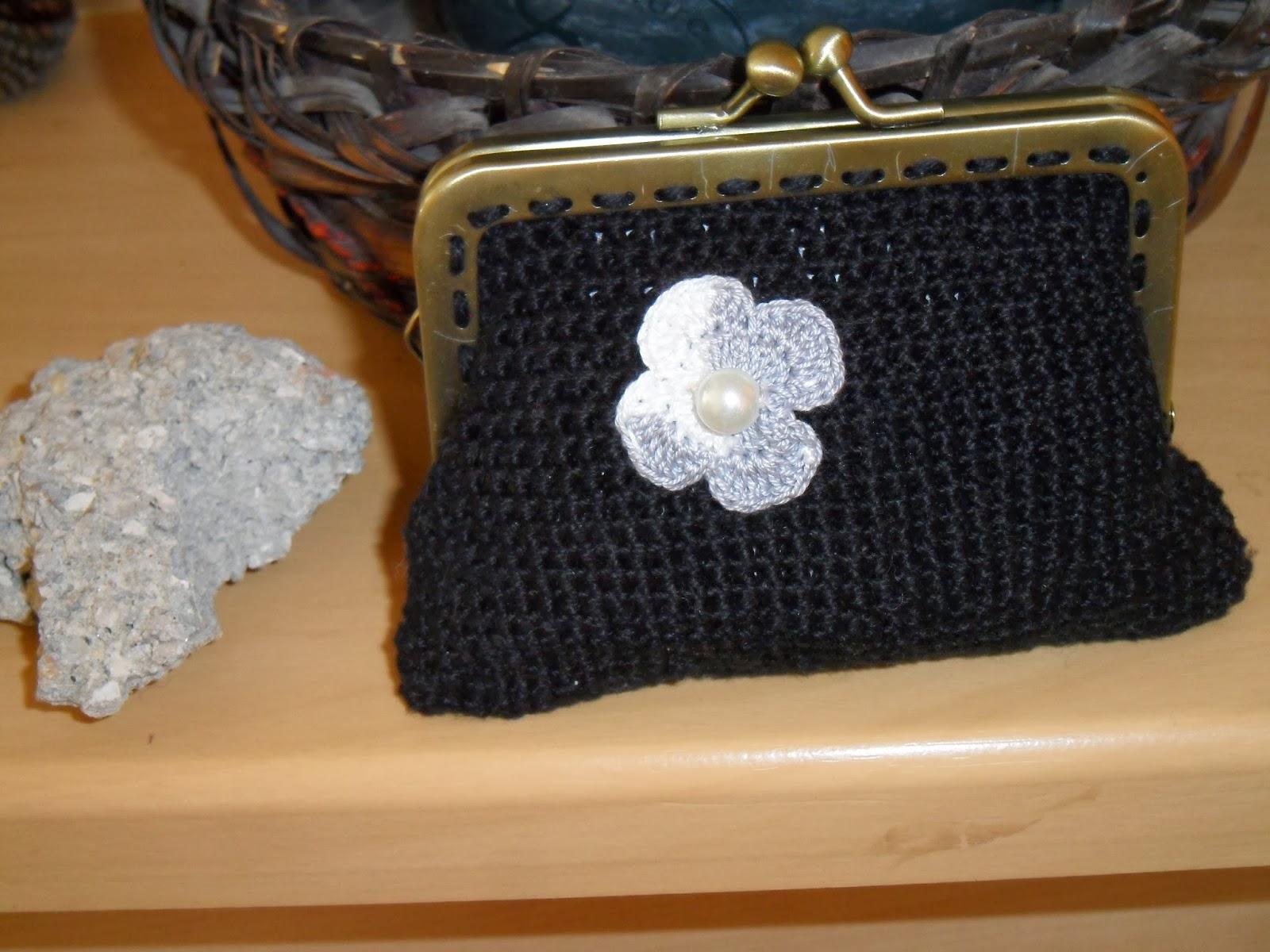 Rendas da m e porta moedas de croch com fecho de metal for 10 roches terrace williamstown