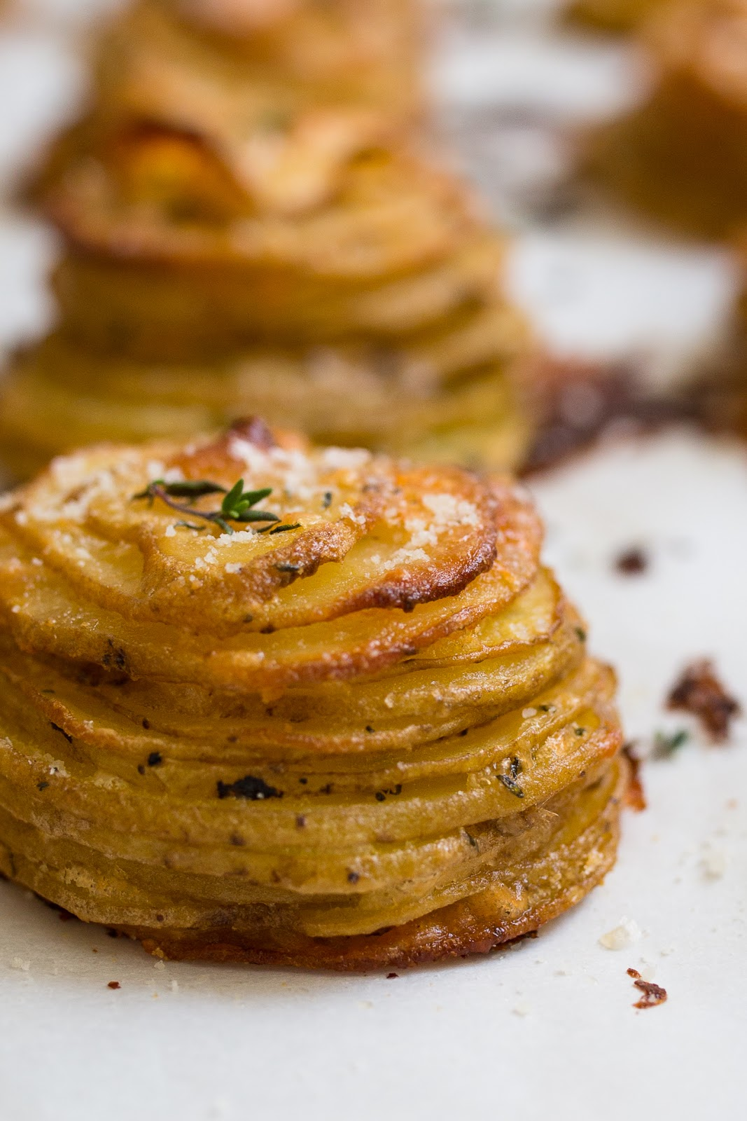 Parmesan Thyme Potato Stacks / blog.jchongstudio.com
