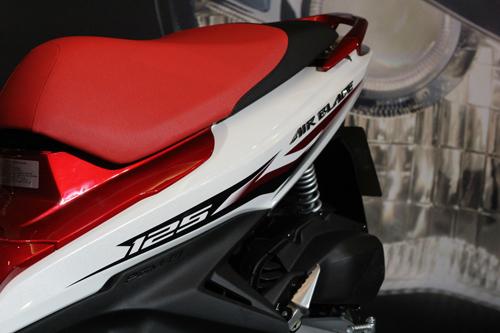 Tem Air Blade 125cc với logo 3D mang đậm chất thể thao
