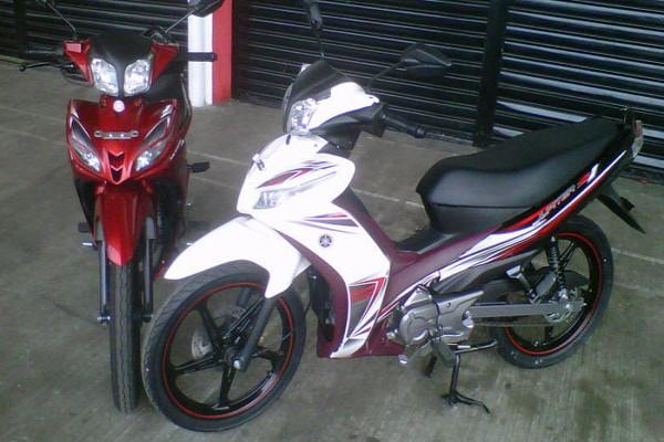 Modifikasi Yamaha Jupiter Z 2005 Ceper Style MINIMALIS title=