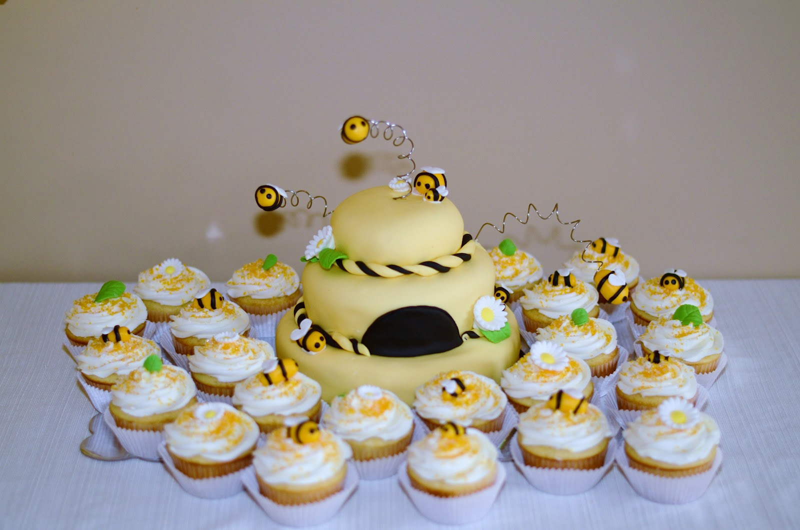 sweetly yours cakes baby bee themed baby shower cake cupcakes