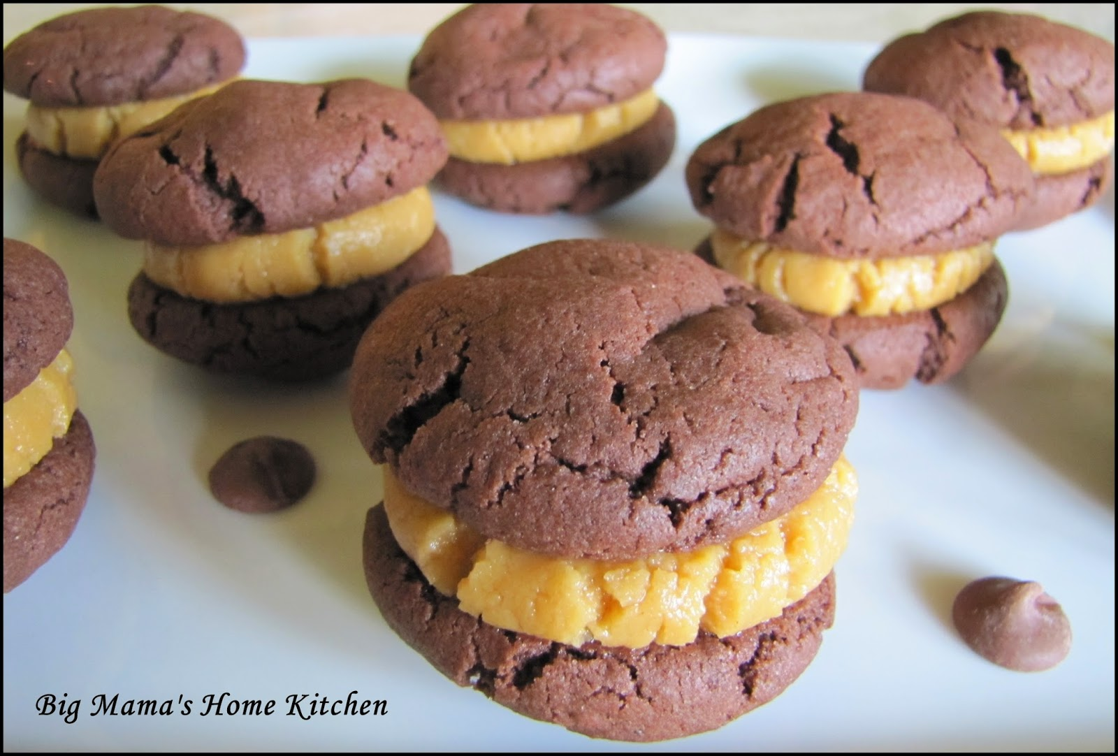Big Mama's Home Kitchen: Fudge Cookies with Peanut Butter Filling