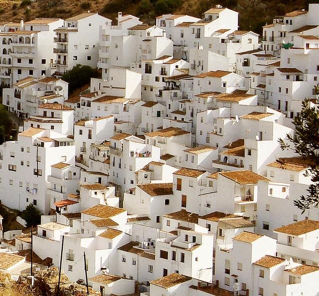 http://1.bp.blogspot.com/-u3HCeAPdMXw/T88hYnPbd-I/AAAAAAAAA0I/e0vSW4HozAQ/s1600/Pueblos-Blancos1.jpg