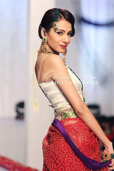 Amna Kardar Collection Bridal Couture Week Karachi 2011