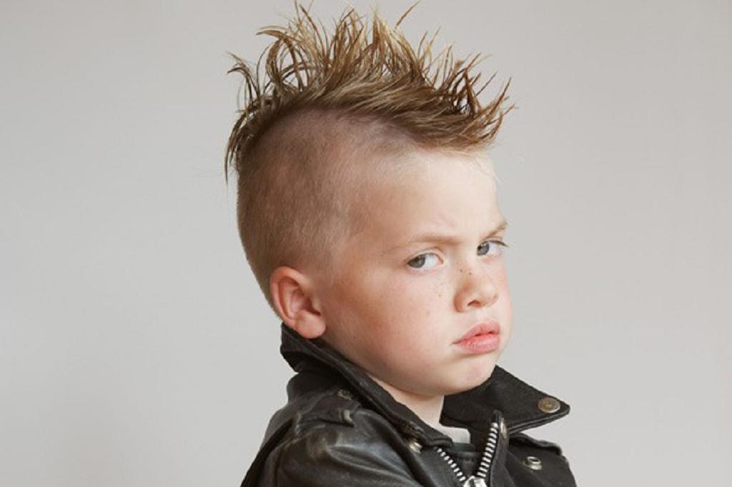 hoy en da hay un corte de pelo largo que es mucho ms adecuado en los nios aqu tienes peinados para nios que va a admirar