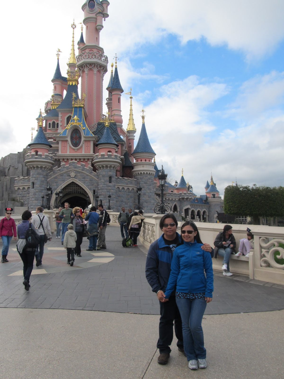 Paris Disneyland Park castle