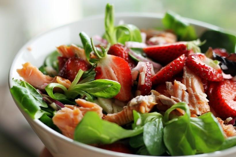 sallad lax jordgubbar
