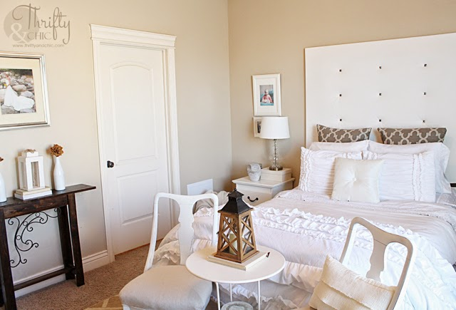 white shabby chic bedroom