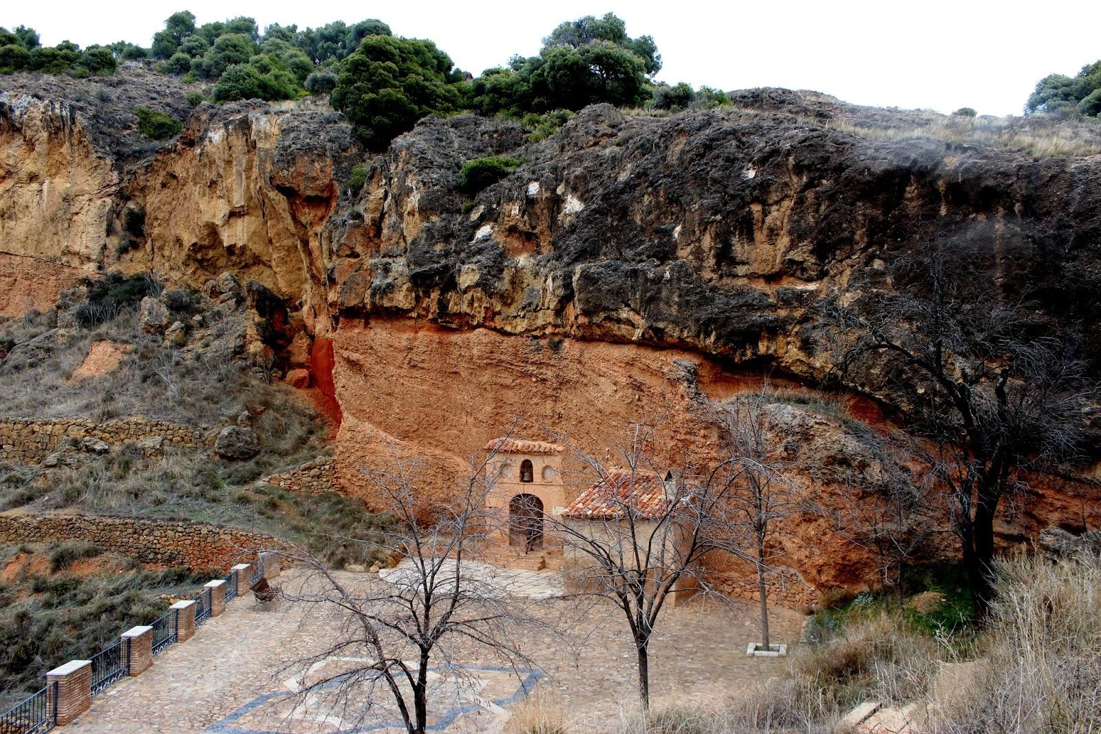 Ermita de Nazaret excavada en la roca
