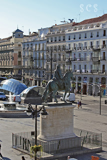 Estatua ecuestre de Carlos III, Madrid by Susana Cabeza