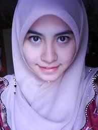 Wanita Lebih Cantik Dengan Jilbab