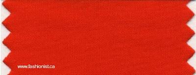 Tela teñida de color naranja