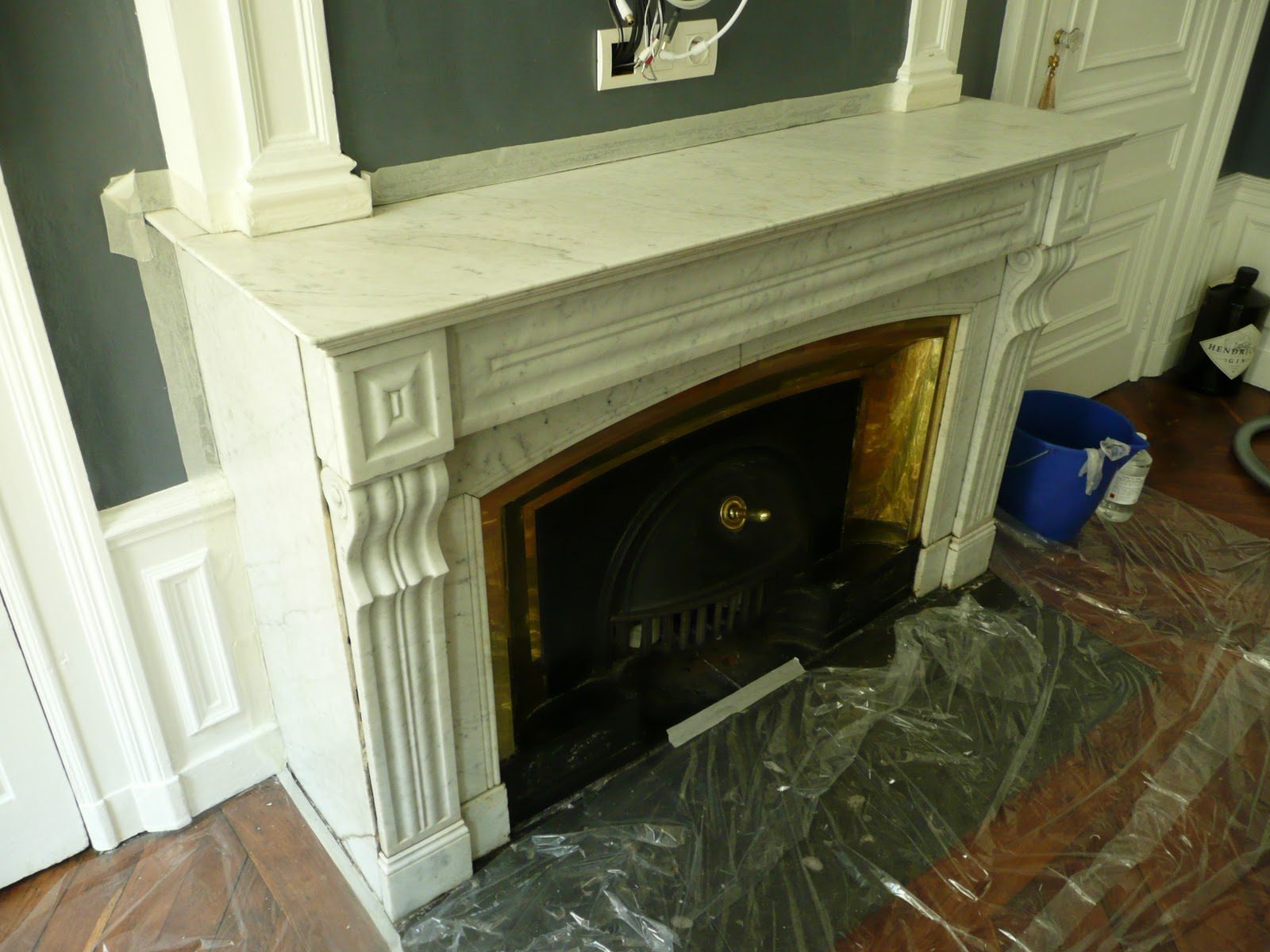 restauration de meubles et objets domicile sur lyon et sa r gion lustrage du marbre. Black Bedroom Furniture Sets. Home Design Ideas