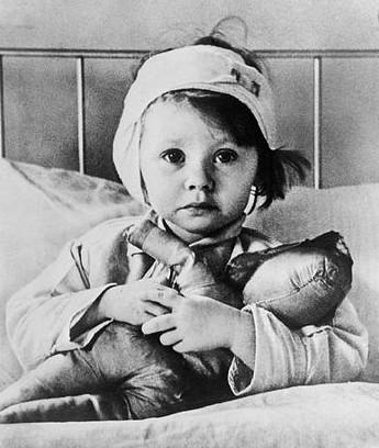 Air raid, Great Ormond Street Hospital, Children, World War 2.