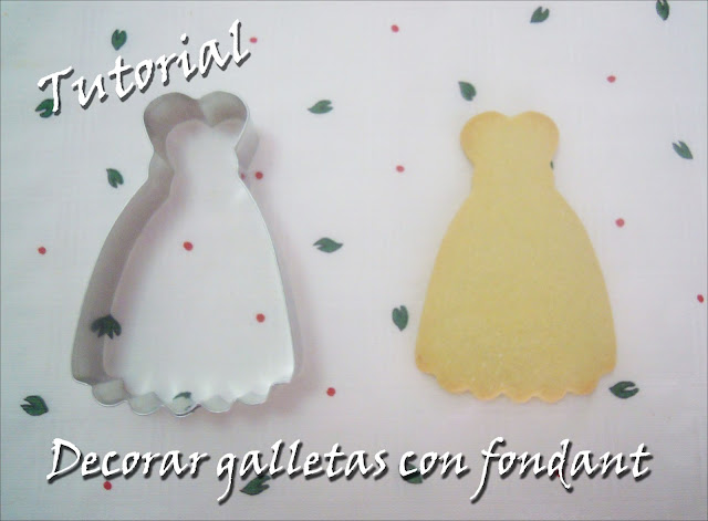 Galletas decoradas con fondant: Galletas de vestidos