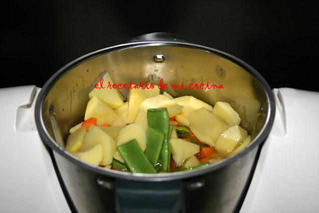 Vainas con patatas y pechuga de pollo tm31