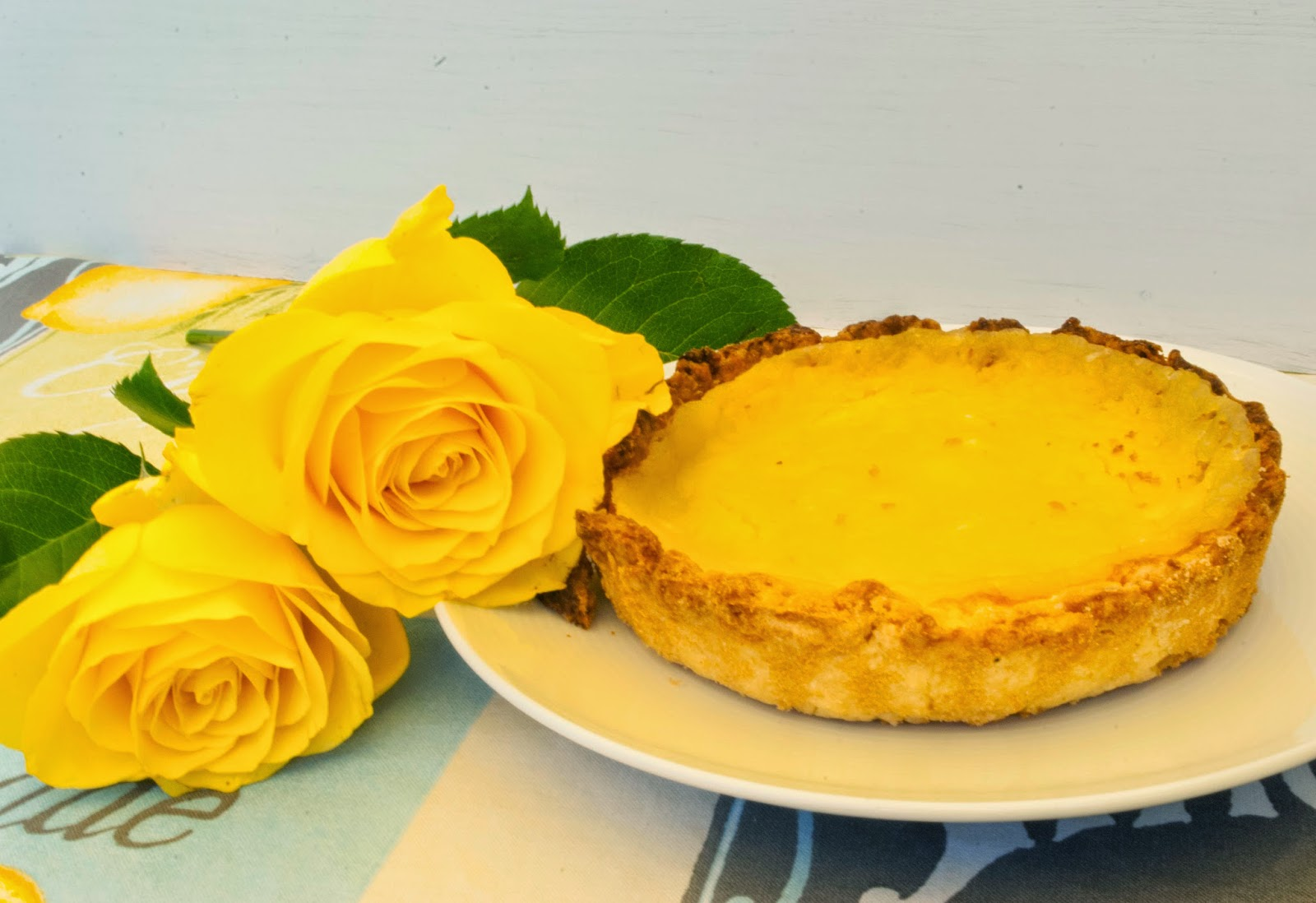 Lemon Curd Tarte Backen Kuchen Tarte Torte Lecker backfreak Küche Kochen zitrone Citrus Zitrus Sommer Geburtstag Geschenk Gelb Hupsis Serendipity