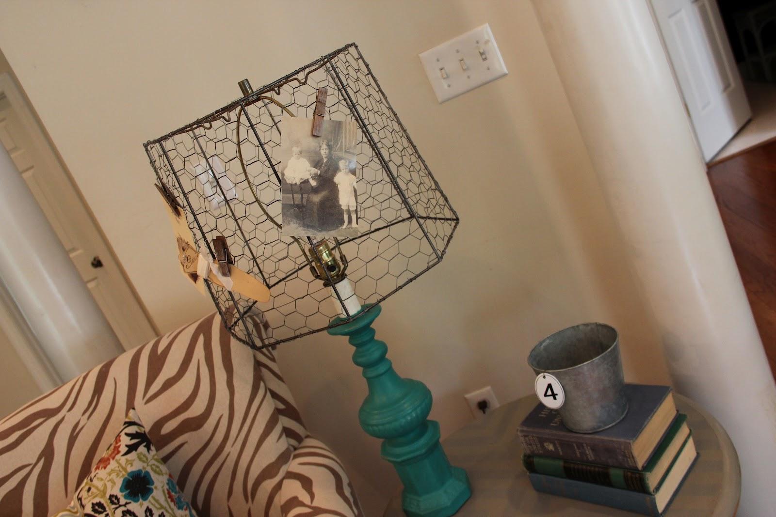 Funky Junk: Chicken Wire Lamp