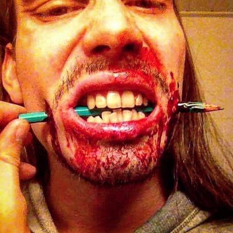 Halloween maskeeraus: Ari Savonen.