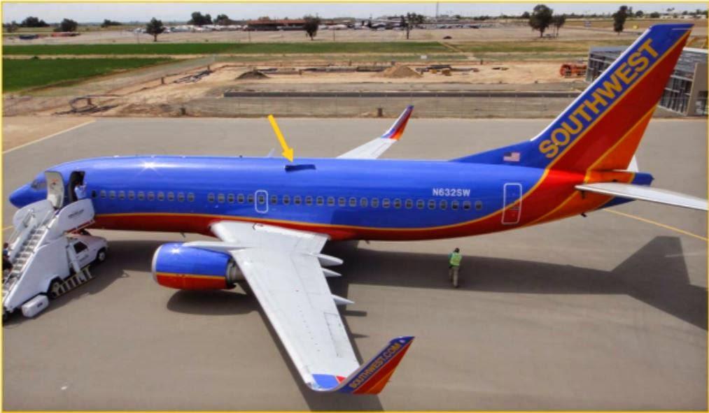 N3526W+southwest+fuselage+hole.JPG