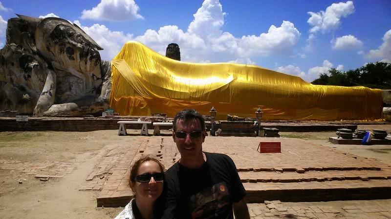 ruinas ayutthaya, Wat Lokayasutharam, templos tailandia, buda reclinado