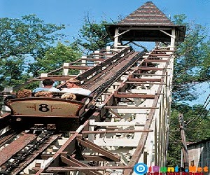 Roller coaster tertua didunia