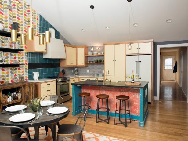 Orla Kiely Spotted: Multi Stem Wallpaper on America's Most Desperate Kitchens