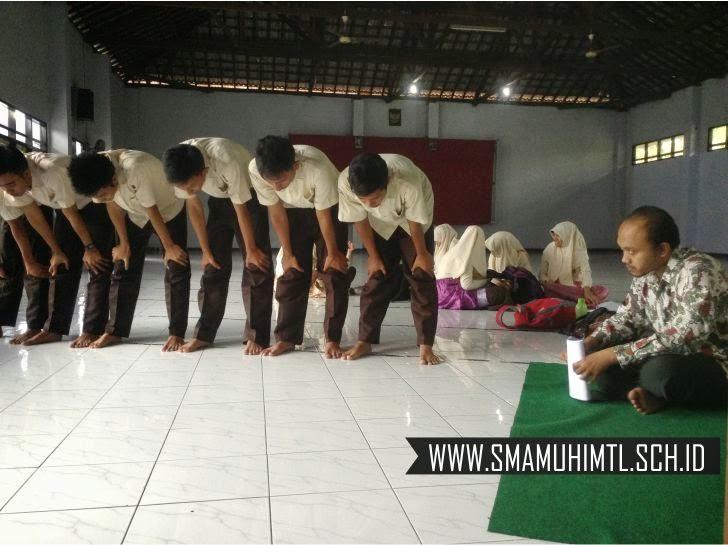 Ujian praktik shalat fardlu hari sma muhammadiyah 1 muntilan