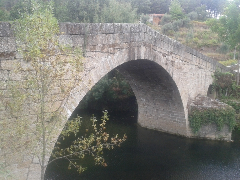 Ponte Romana de Vila Cova é Coelheira