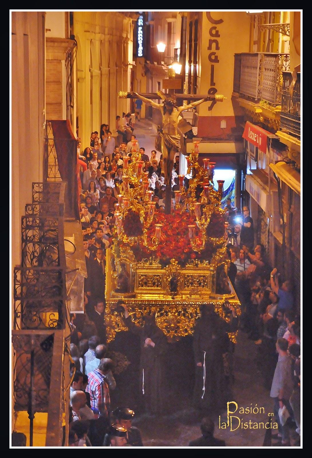 Paso-del-Cristo-del-Buen-Fin-Sevilla-2015