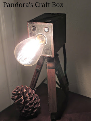 tripod lamp, tripod table lamp, wood tripod, camera lamp, wooden tripod lamp, lamp tripod, vintage camera lamp, DIY, DIY tripod lamp, DIY camera tripod lamp, brownie box camera