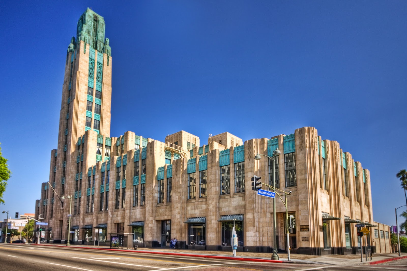 Building los angeles circa on wilshire coming back to life for Los angeles architecture