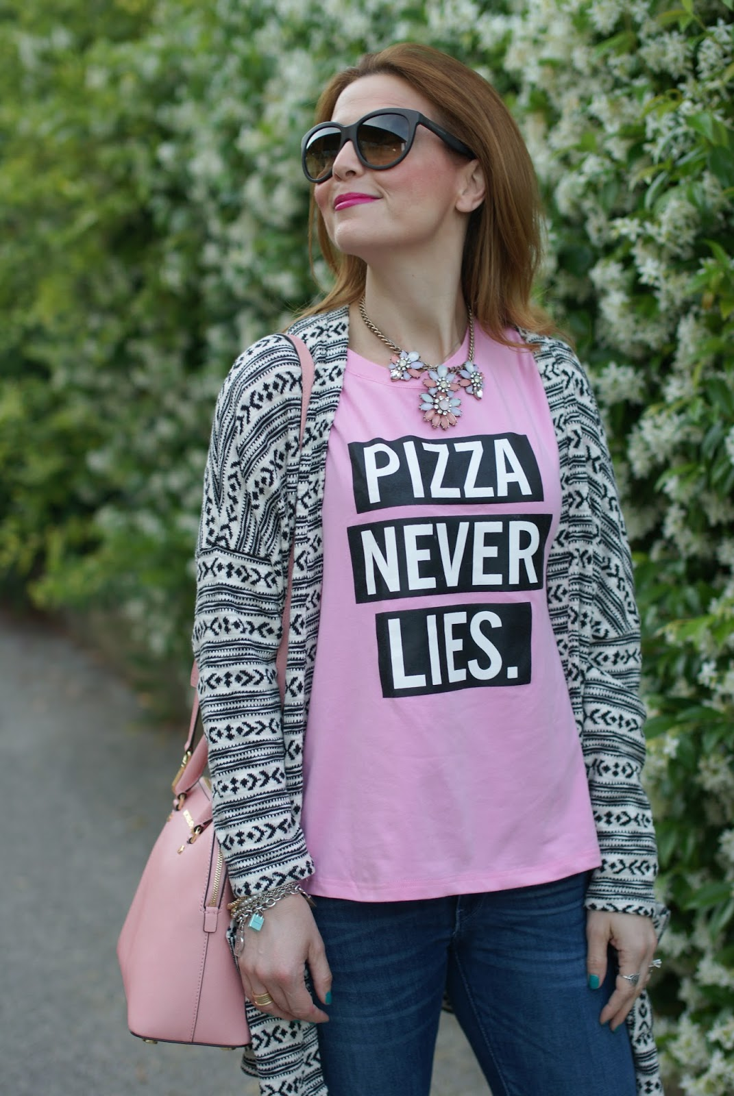 Pizza never lies, Zaful pink t-shirt, Bijou Brigitte necklace, Zaful pizza never lies, casual pink look on Fashion and Cookies fashion blog, fashion blogger style