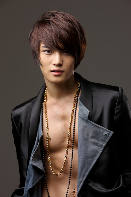 صور للفرقة الكورية TVXQ Jaejoong