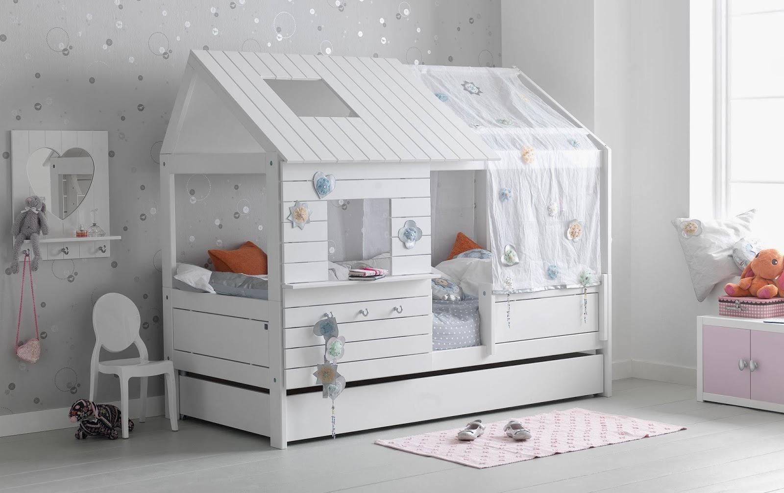 http://www.portobellostreet.es/mueble/27815/Cama-caba%C3%B1a-Infantil-Silversparkle