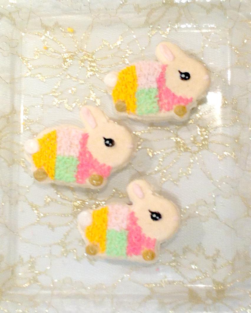 Cherie Kelly's 中秋節兔子燈籠 Rabbit Lantern Macarons