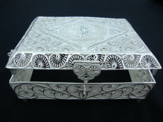 Tarakashi Jewellery Box
