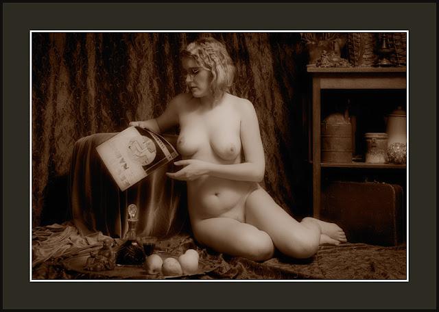 retrostiilis aktifoto   retro style nu nude photo december 2011