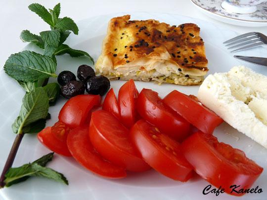 Kabaklı Peynirli Börek