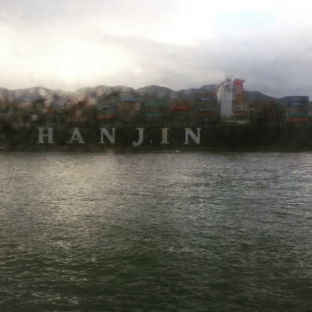 Container ship, Hong Kong harbor | Cheesy Pennies