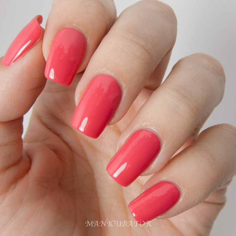 KBShimmer-Early-Summer-2014-Let's-Not-Coral-Creme-Colorblock-Nail-Art