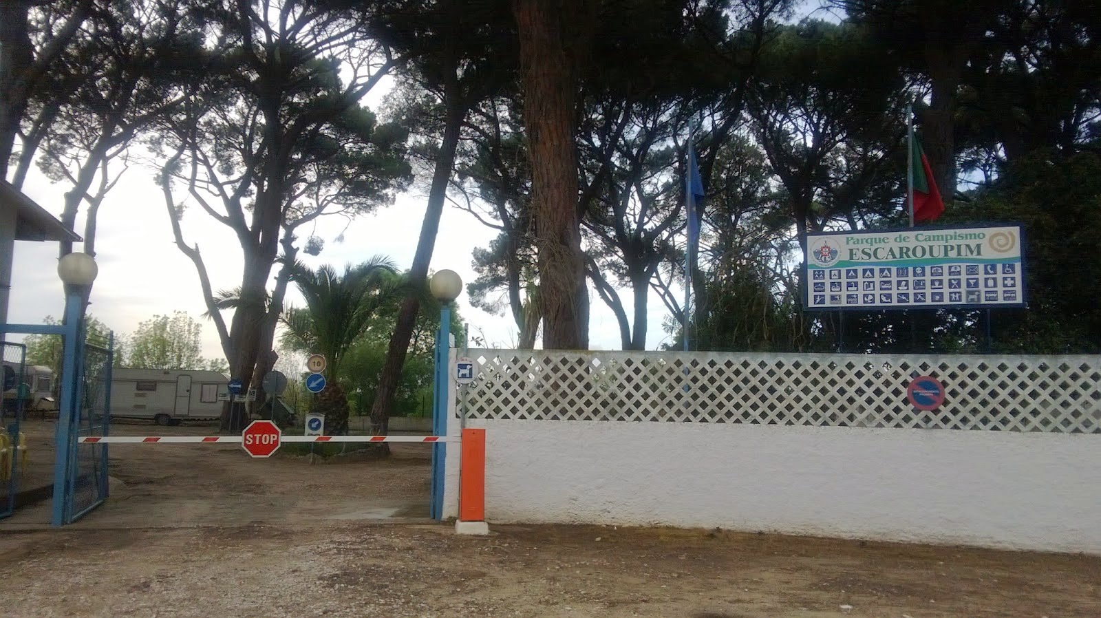 Entrada Parque Campismo de Escaroupim