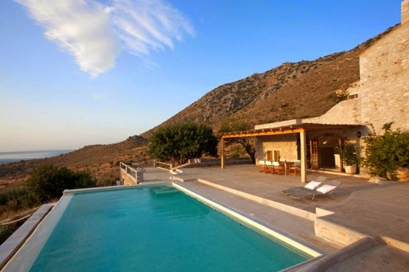 Una casa de vacaciones en mani villa in mani for Casas en islas griegas