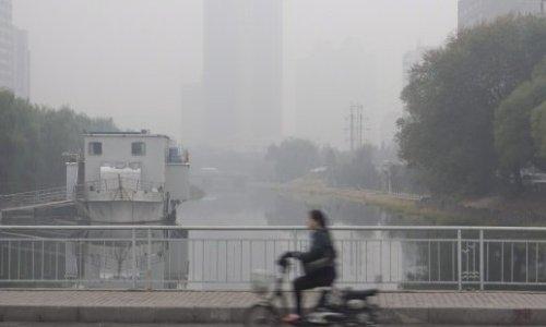 China cerrará 10.000 fábricas para un desfile militar