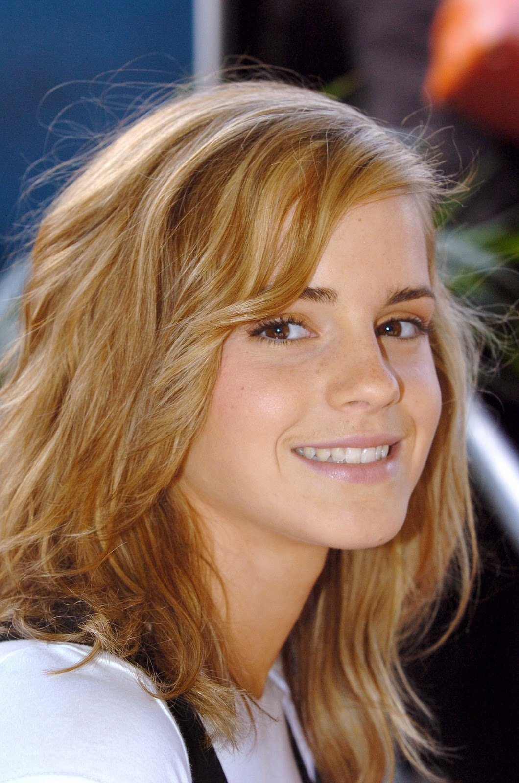 http://1.bp.blogspot.com/-u8-P_O_W1Ls/Tt_IT-ecjPI/AAAAAAAADIk/kbW3TV6VBn4/s1600/Girl+Hairstyle%252C+Photo+Gallery%252C+Emma+Watson+Hairstyles%252C+Celebrity+Emma+Watson+Hairstyles%252C+Emma+Watson+Hairstyles+Photo%252C+Latest+Emma+Watson+Hairstyles%252C+Emma+Watson+Hairstyles+Cutting+%252855%2529.jpg