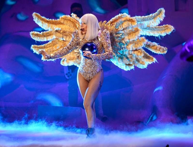 Lady Gaga - artRAVE